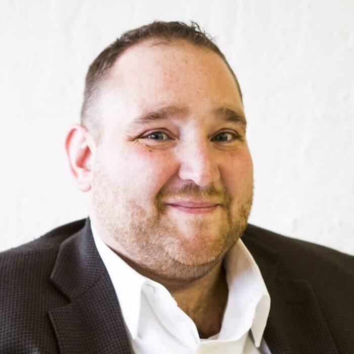 Jay Kromjong, EA : Staff Accountant