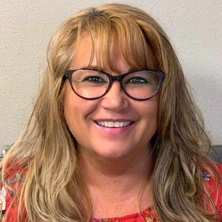 Rachel DeBoard : Receptionist